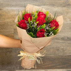 Buquê de 6 Rosas Nacionais (Mais Cores Disponíveis)